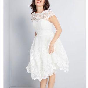 Chi Chi London ModCloth Dress White Lace Size 2